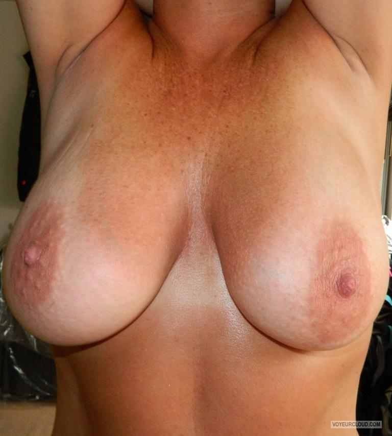 hot mom tits videos : TIT-BIT : Big tits, hot mom porn