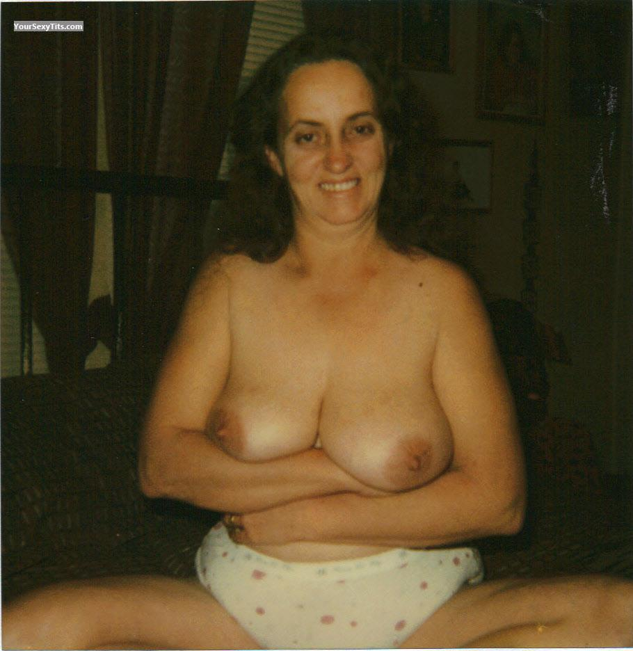 Tit Flash: Medium Tits - Topless SWEETLIP'S from United States