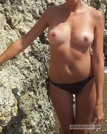 Tit Flash: Wife's Small Tits - Dipitinme from United States