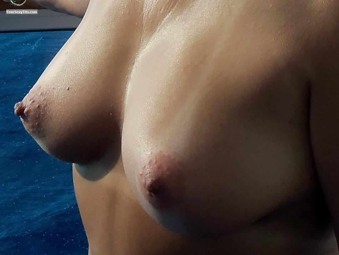 Tit Flash: Medium Tits - Suzie from United States