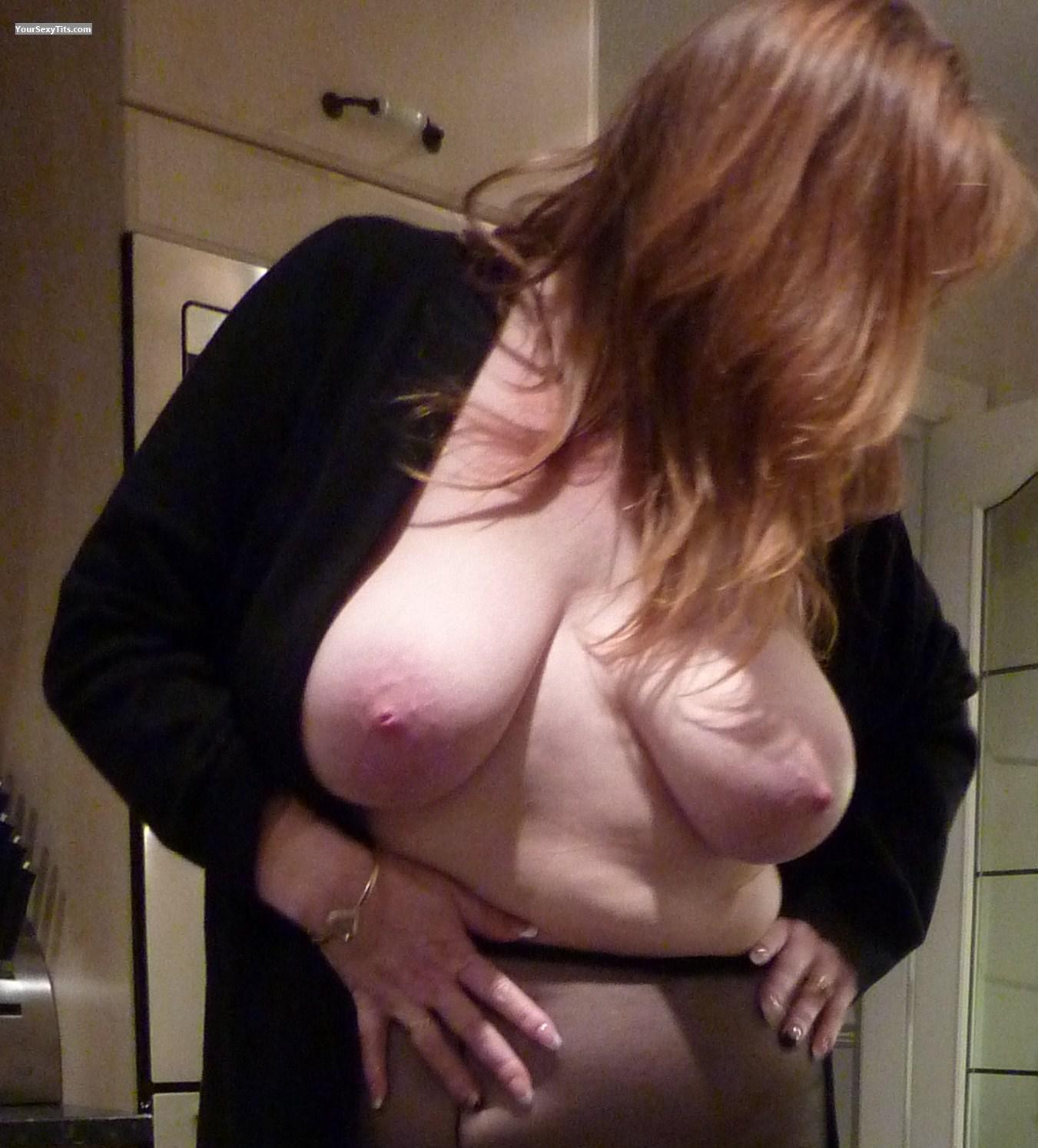 Tit Flash: Medium Tits - Sexy Jen from United Kingdom