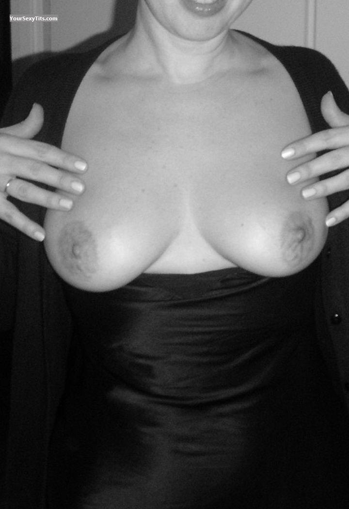 Tit Flash: Medium Tits - Liz 67 from Switzerland