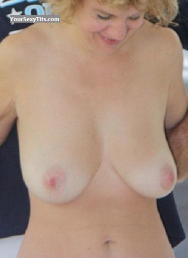 Tit Flash: Wife's Medium Tits - Topless Bonnie from United States