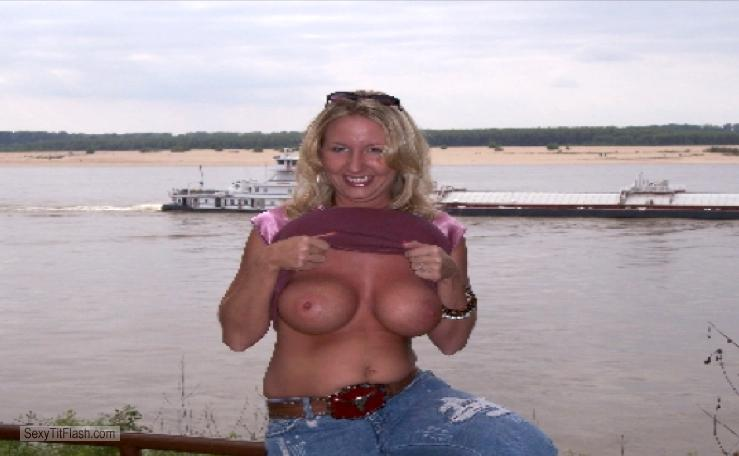 My Medium Tits Topless Leslie T