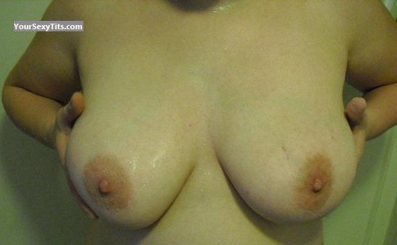 Tit Flash: Medium Tits - Voyeuse from Canada
