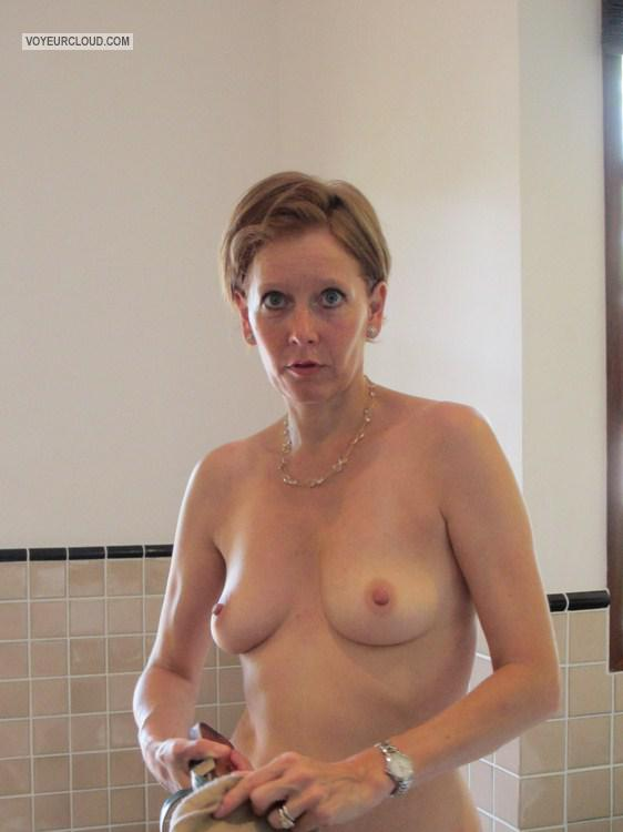 Medium Tits Of My Wife Topless An