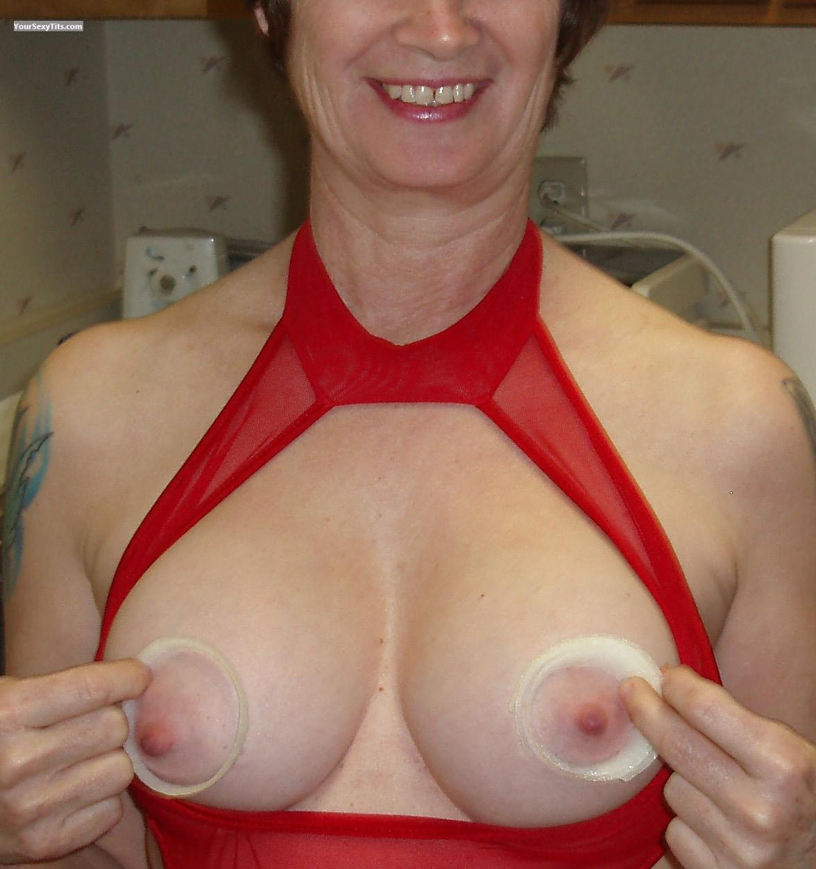 Tit Flash: Medium Tits - Tanseeker from United States