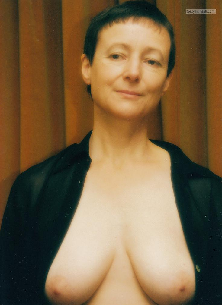 Medium Tits Of My Wife Topless Margaret