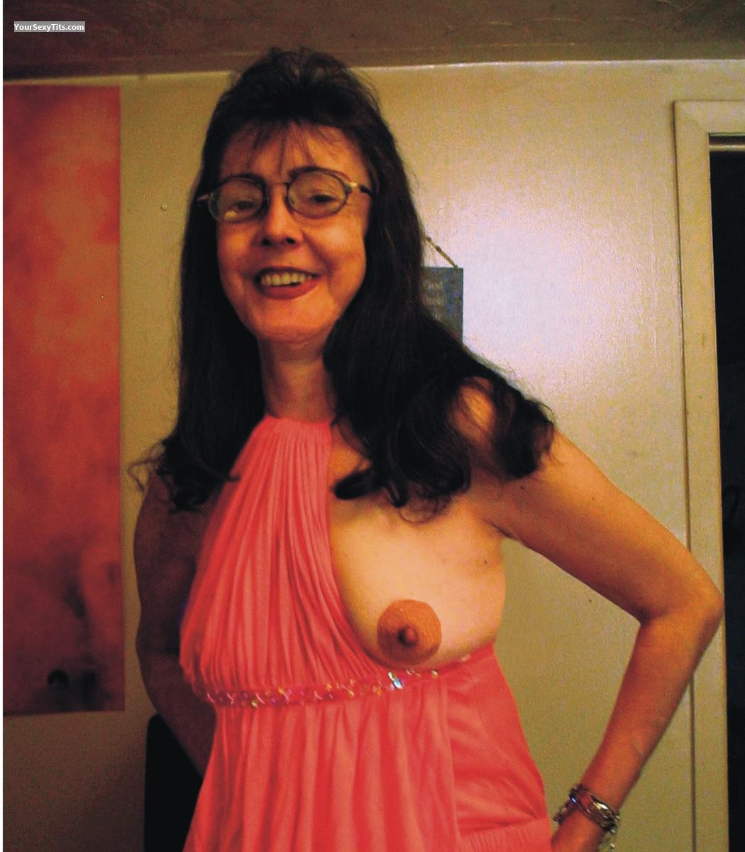 Medium Tits Topless CarolynCumLover
