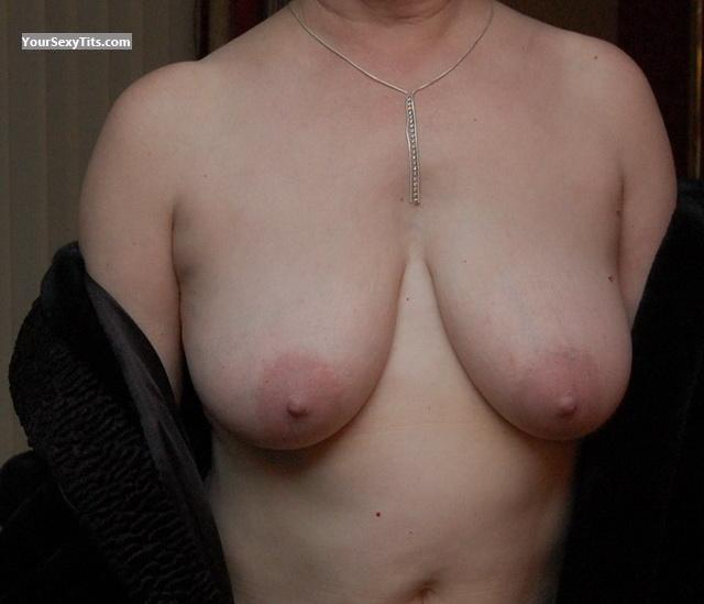 Medium Tits OntGal
