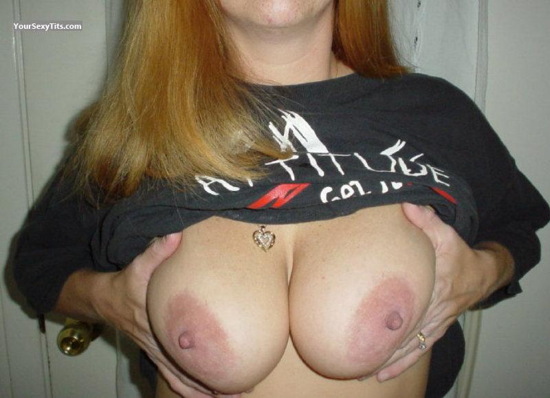 Tit Flash: Medium Tits - Miflin from United States