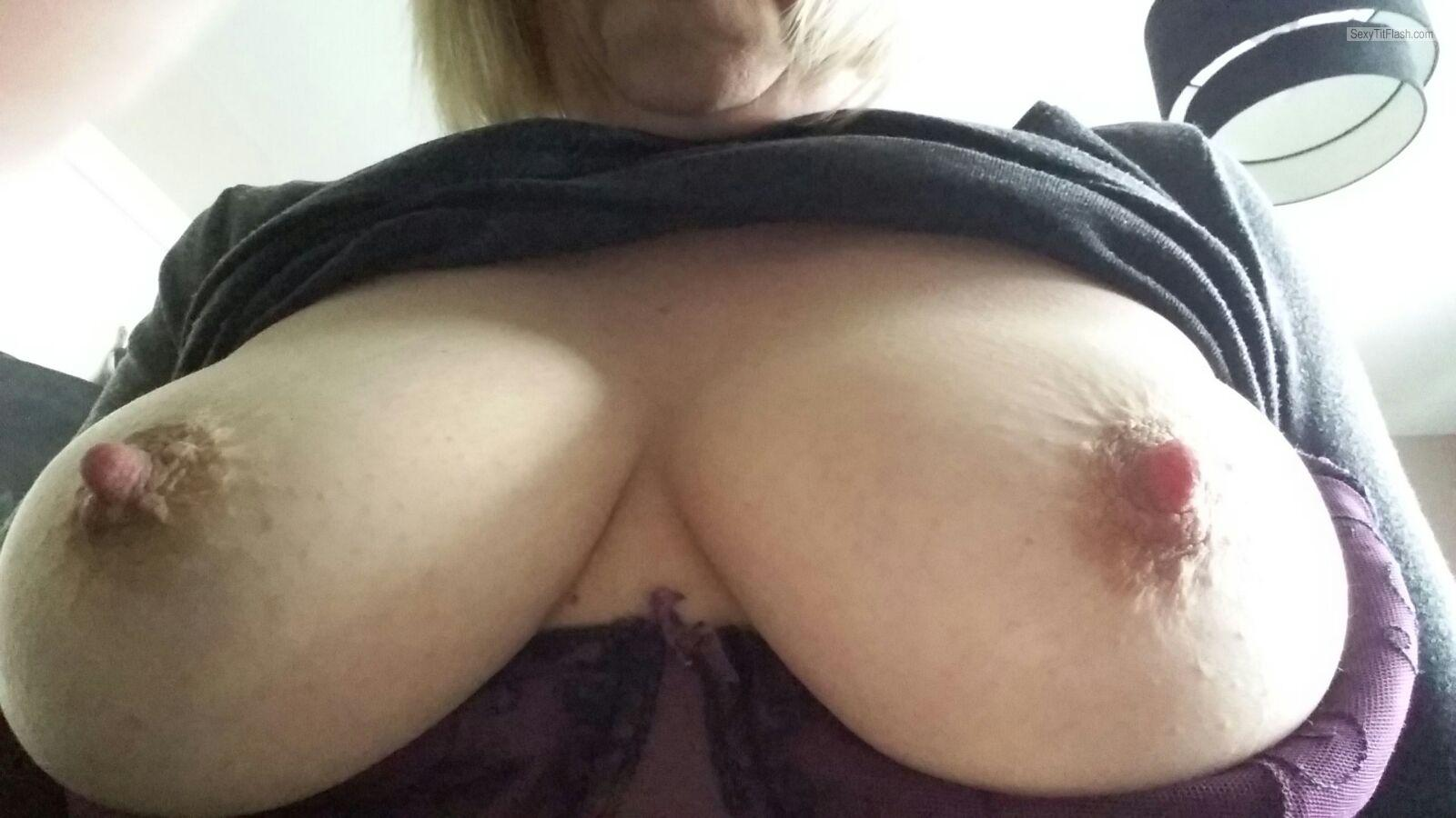 My Medium Tits Topless Selfie by Ellens Boobs, Late Forties M