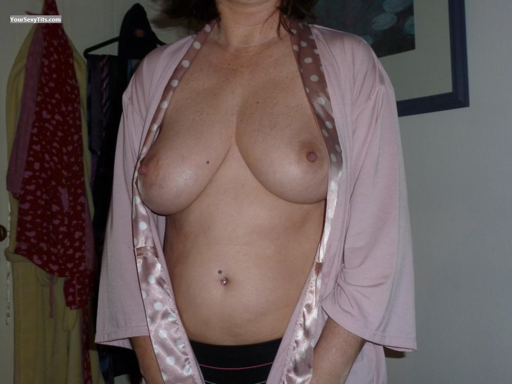 Medium Tits Of My Wife Cracker