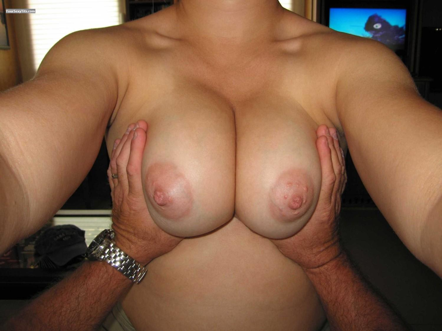 Tit Flash: My Medium Tits (Selfie) - Faans Flasher from United States