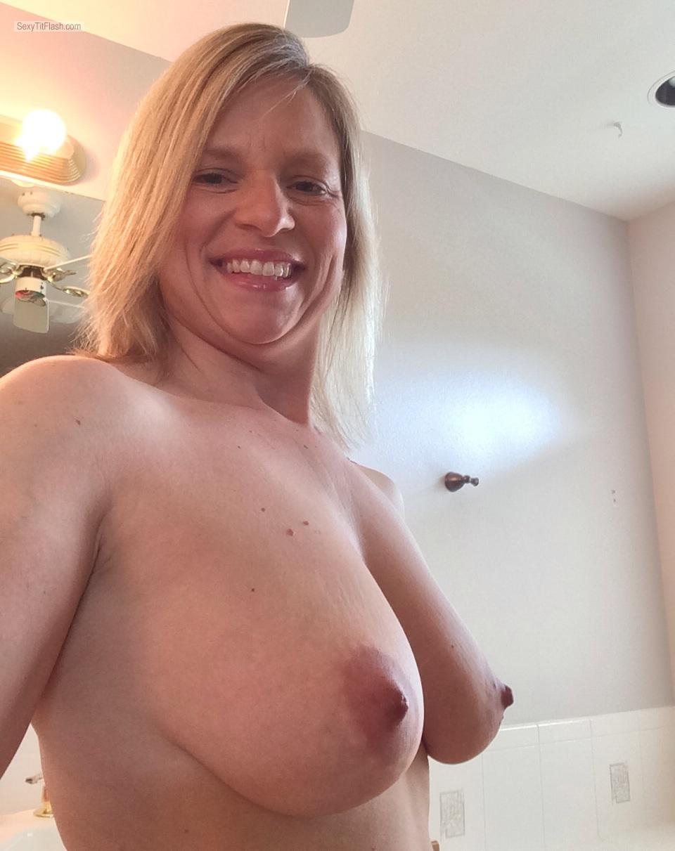 my medium tits (selfie) - topless american girl from united states