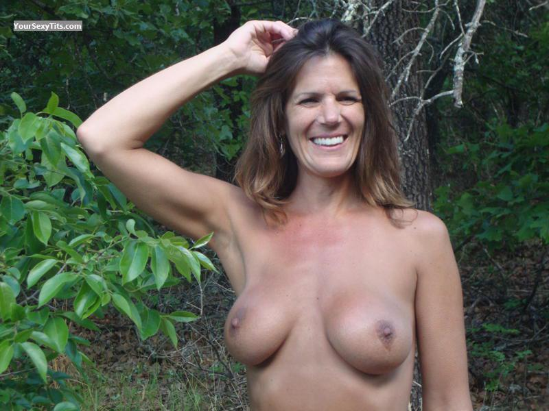 Tit Flash: Girlfriend's Medium Tits - Topless Having Fun from United States