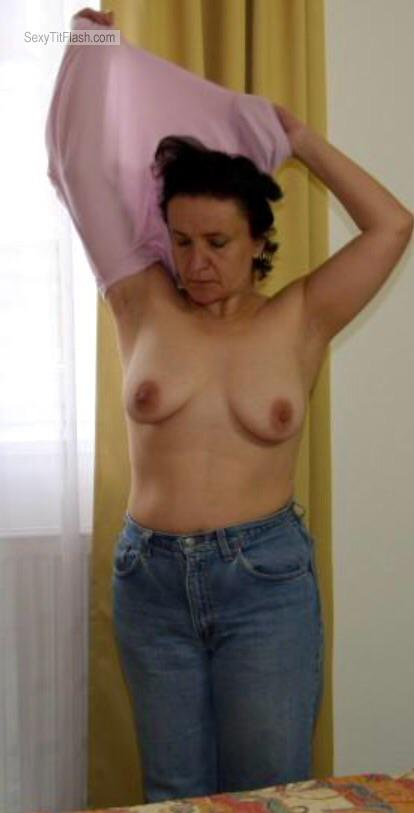 Tit Flash: Candid Woman's's Medium Tits - Topless Wifes Mother from United States