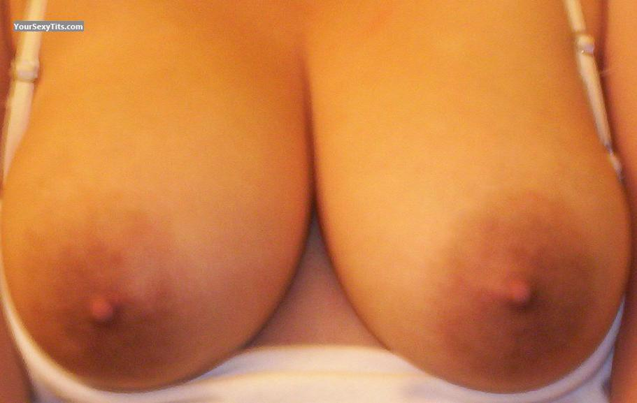 Medium Tits CuriousK15