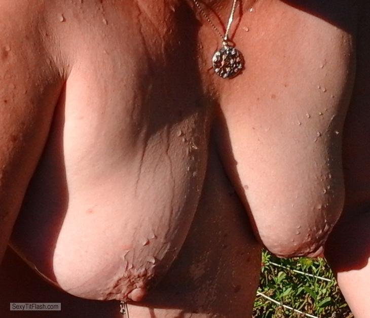 Medium Tits Of My Wife Topless Susi