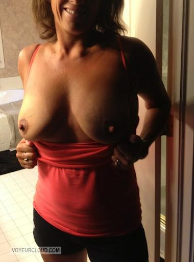 Tit Flash: Wife's Big Tits - Anna from United States