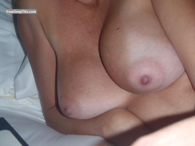 Medium Tits Of My Wife La Flash
