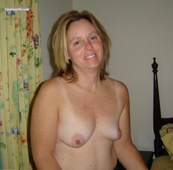Tit Flash: Medium Tits - Topless Wife from United States