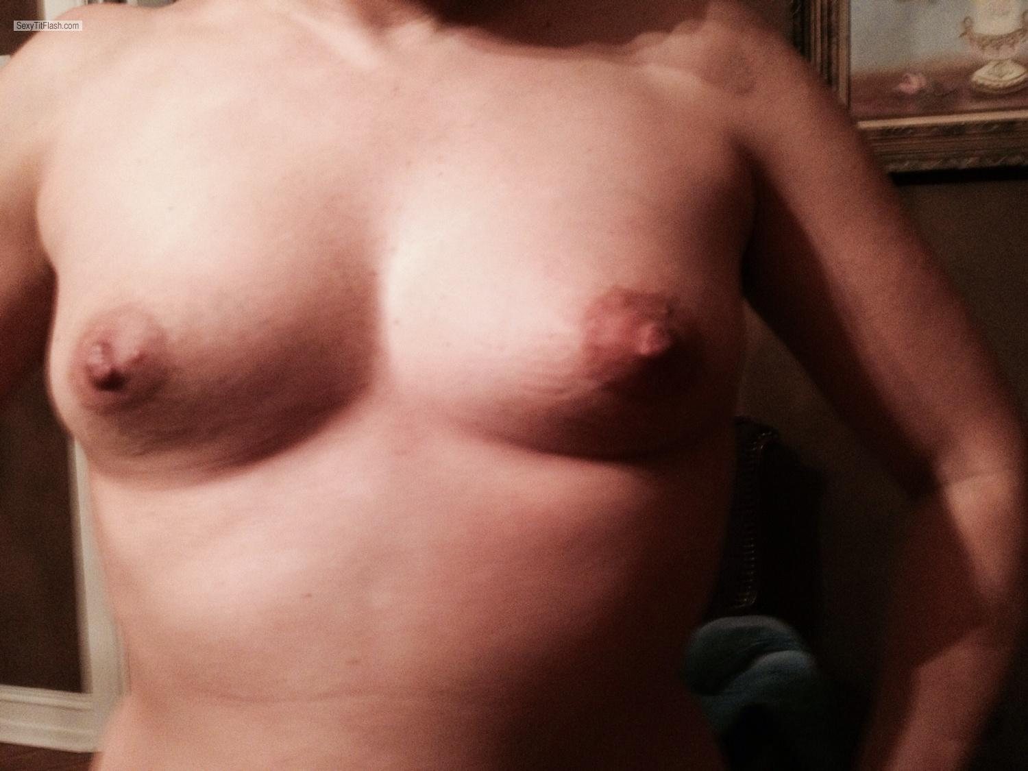 Tit Flash: Small Tits By IPhone - Hot Milf from United States