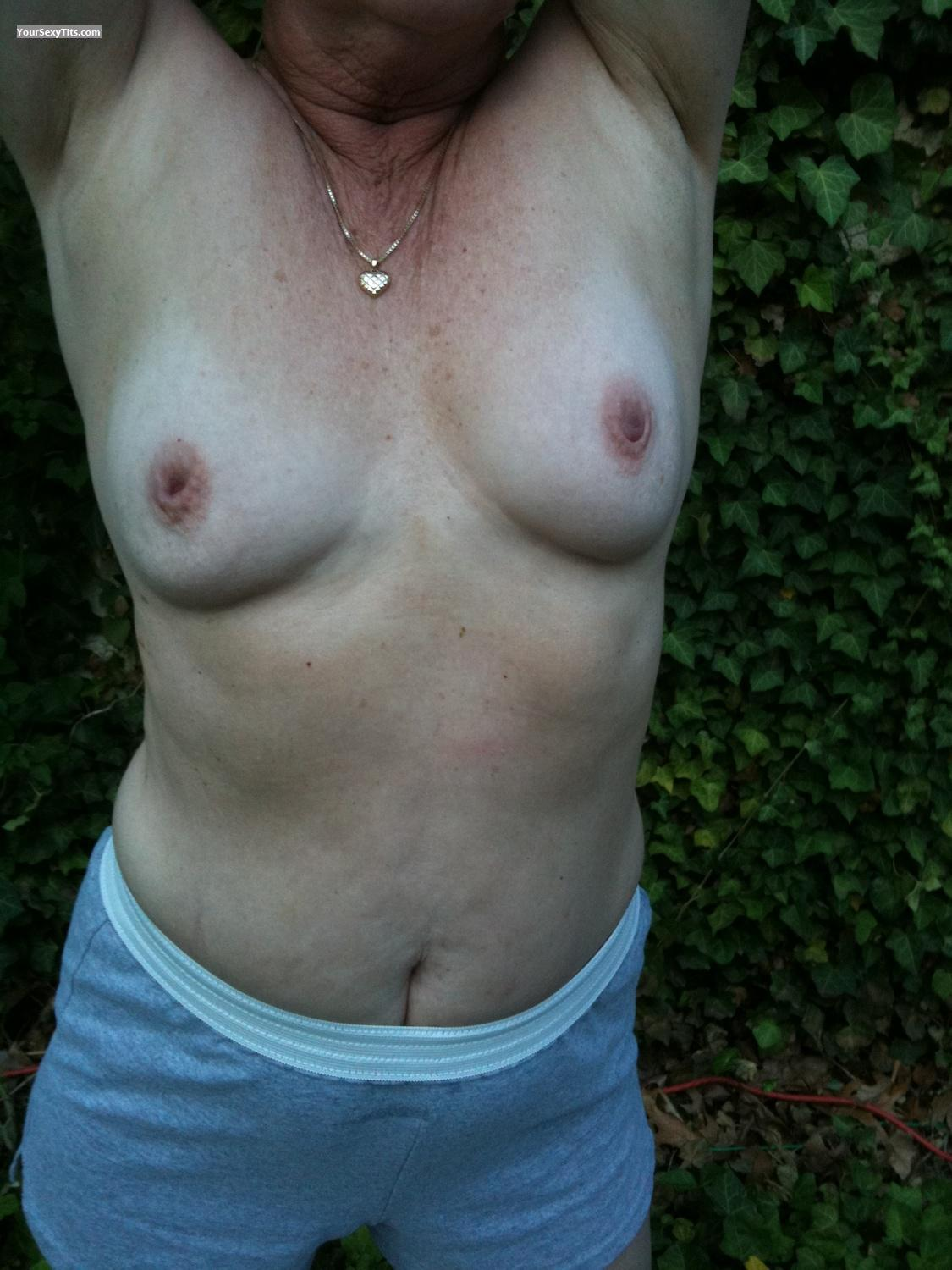 Tit Flash: Small Tits By IPhone - Hotflash from United States