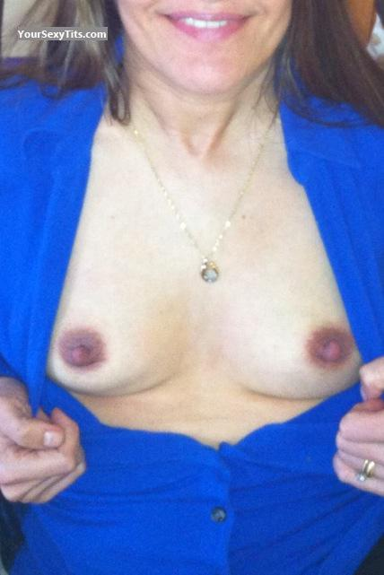 Tit Flash: Small Tits By IPhone - Gobux68 from United States