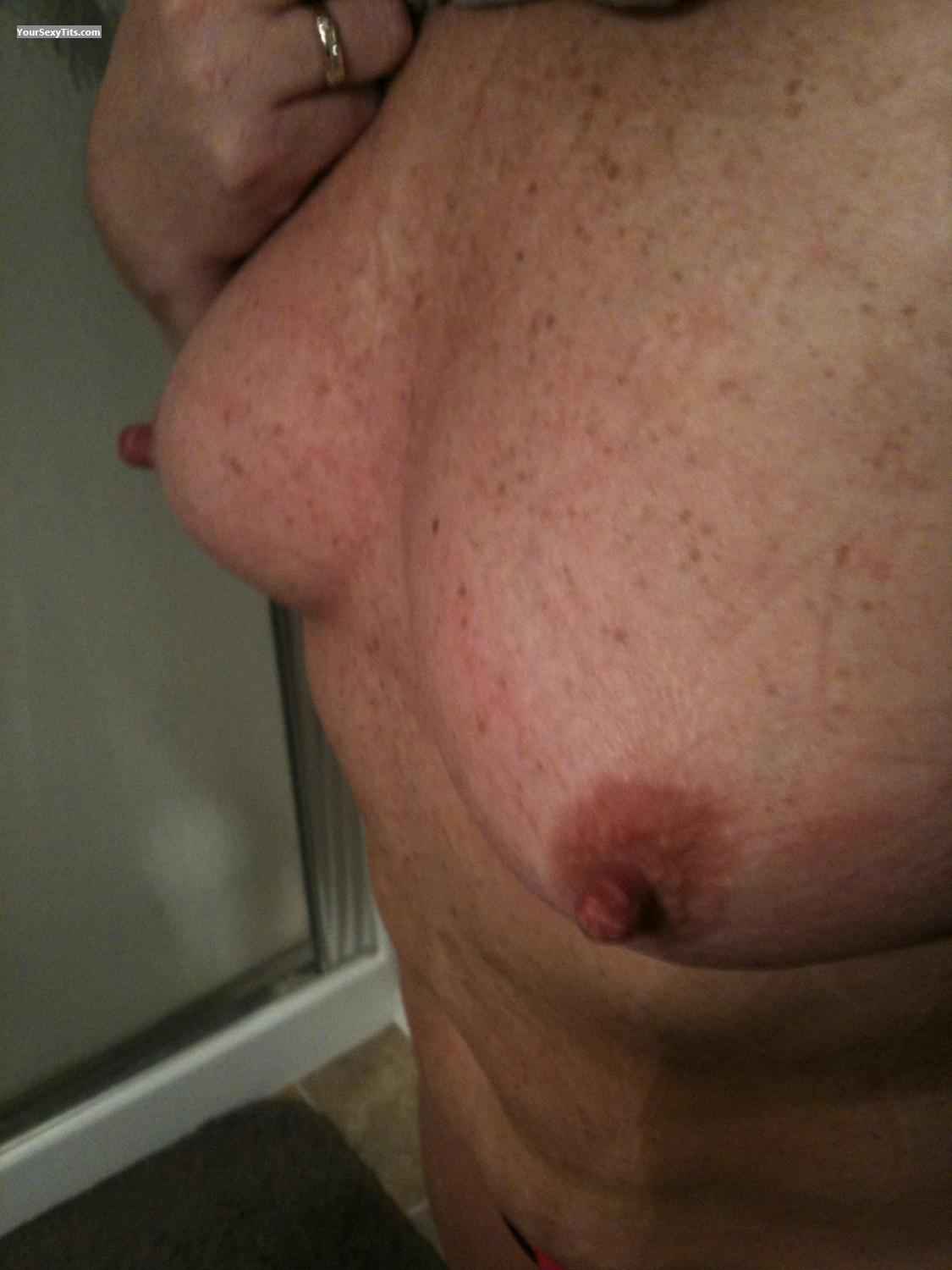 Tit Flash: Small Tits By IPhone - Nips from United States