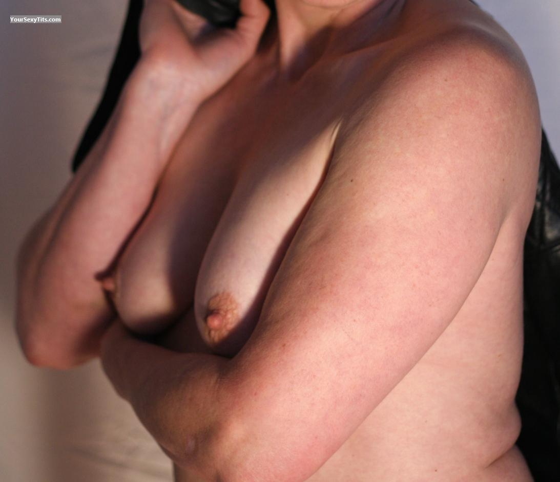 Tit Flash: Small Tits - TittyMama from United States