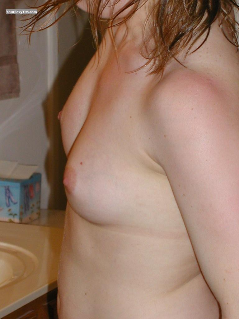 Tit Flash: Small Tits - Knoxville007 from United States