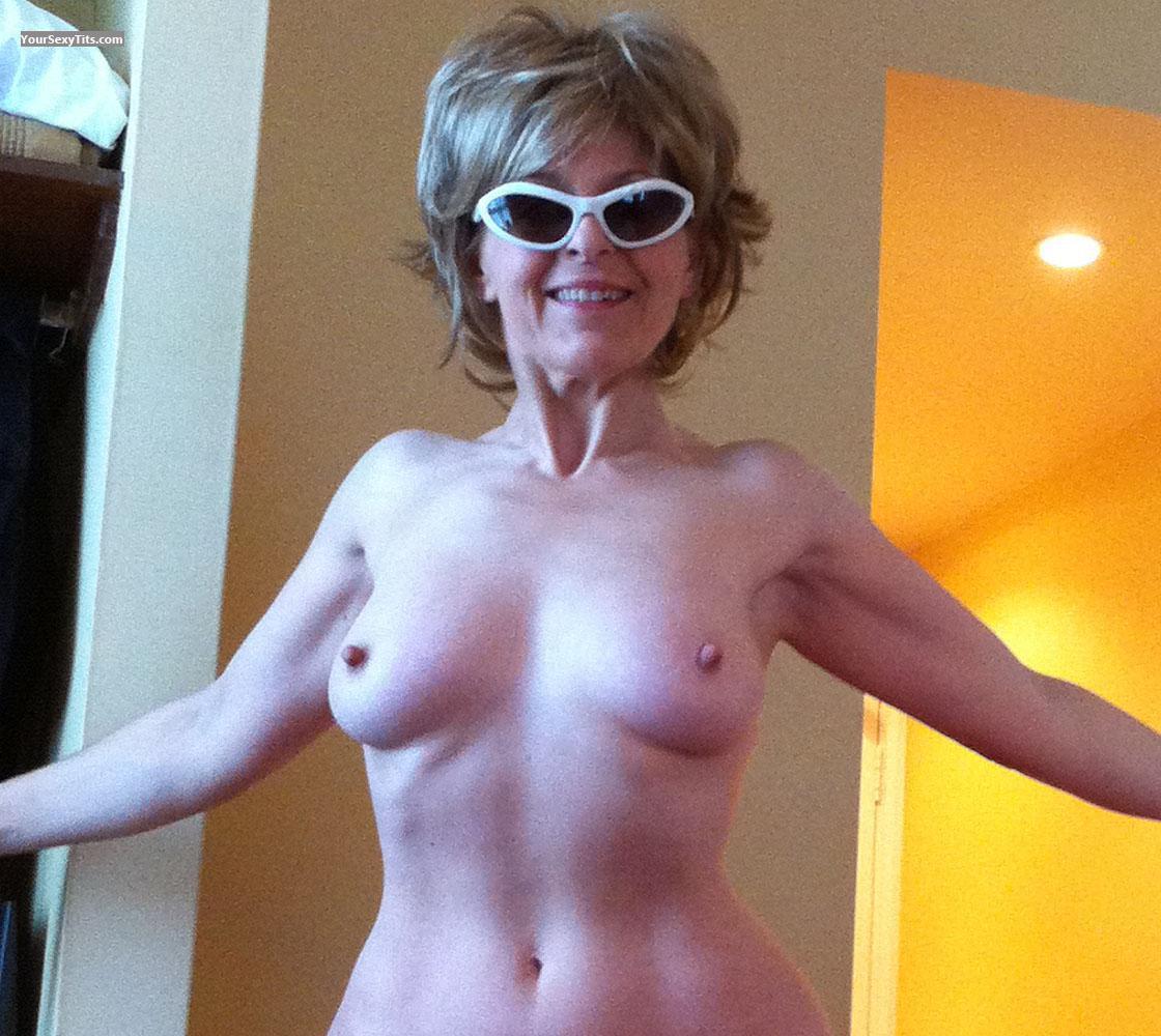 small tits - topless lady bee from united kingdom tit flash id 66523
