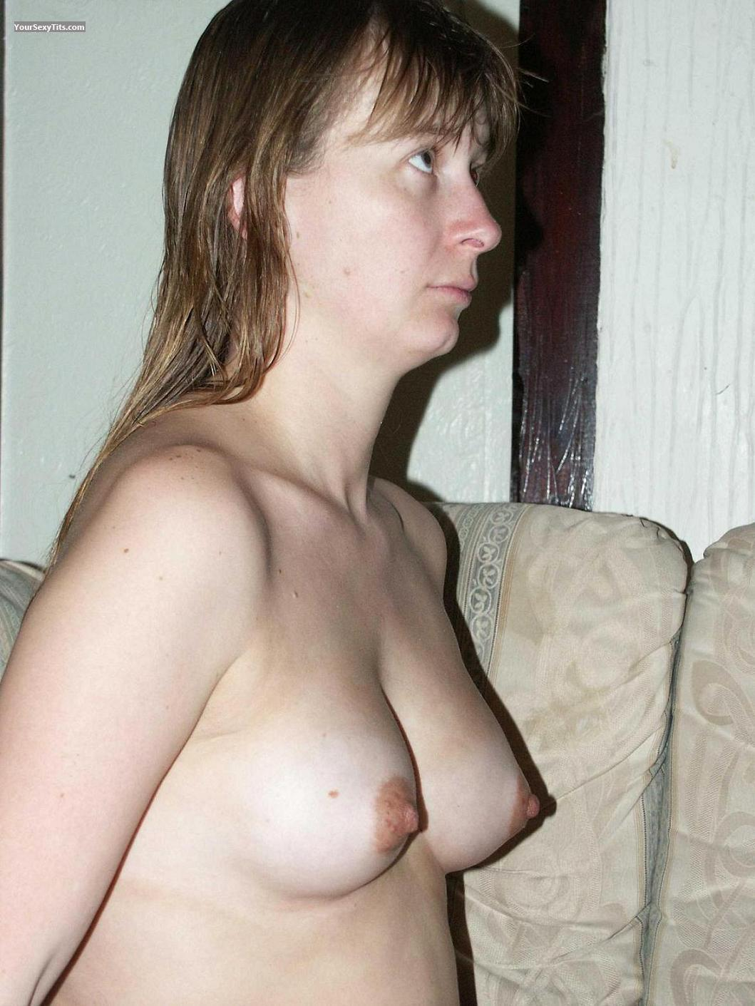 Tit Flash: Small Tits - Topless Cwoturmissing from United Kingdom