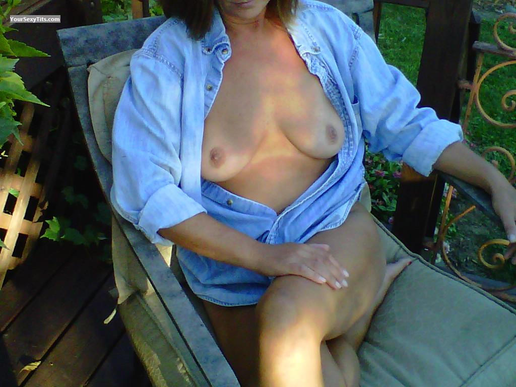 Tit Flash: Small Tits - Jainie from United States
