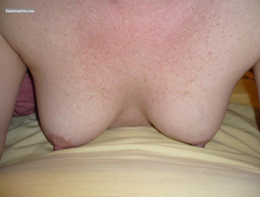 Tit Flash: Small Tits - Perty from United Kingdom