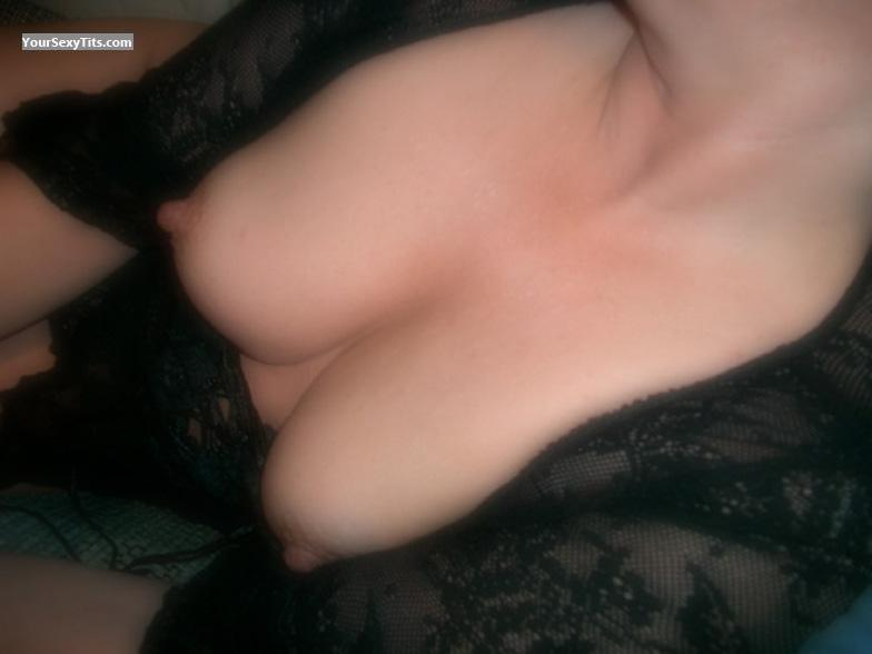 Tit Flash: Small Tits - SweetJen from United States
