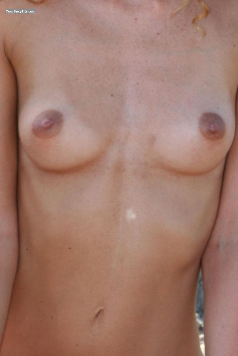 Tit Flash: Small Tits - Nada from France