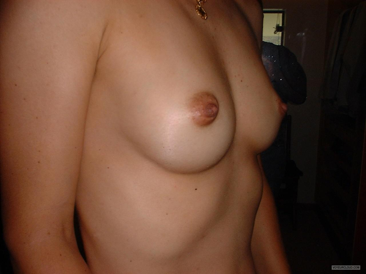 Small Tits Of My Wife Grelly