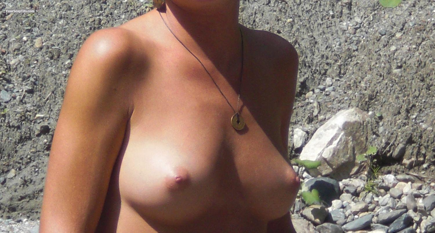 Tit Flash: Small Tits - CW from United States