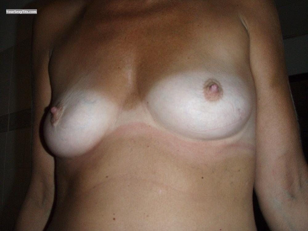 image Tiny tits from netherlands on webcam