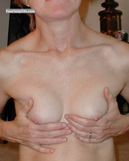 Tit Flash: Small Tits - Grandma from United States