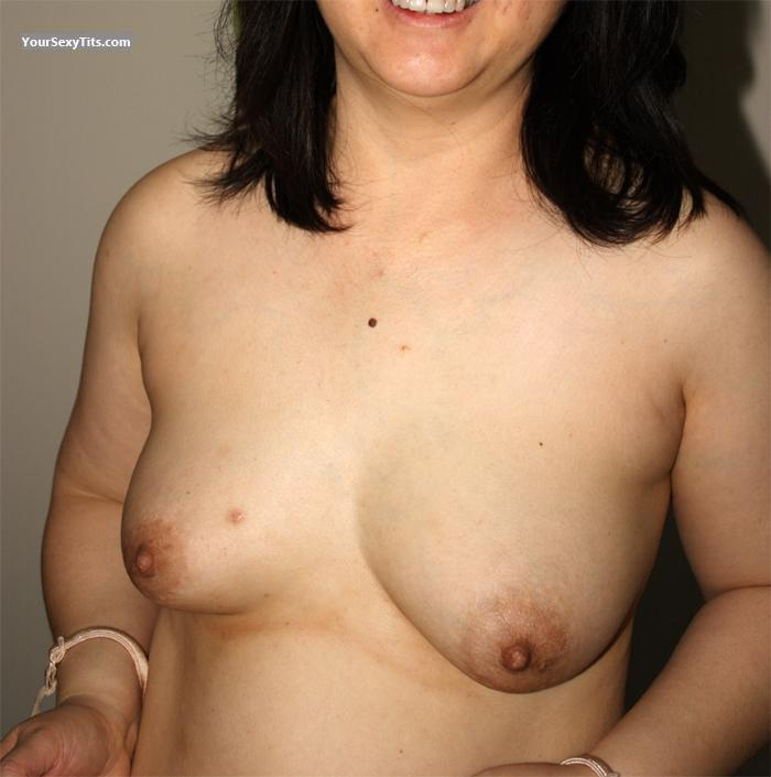 Tit Flash: Small Tits - SuzyQ from United States