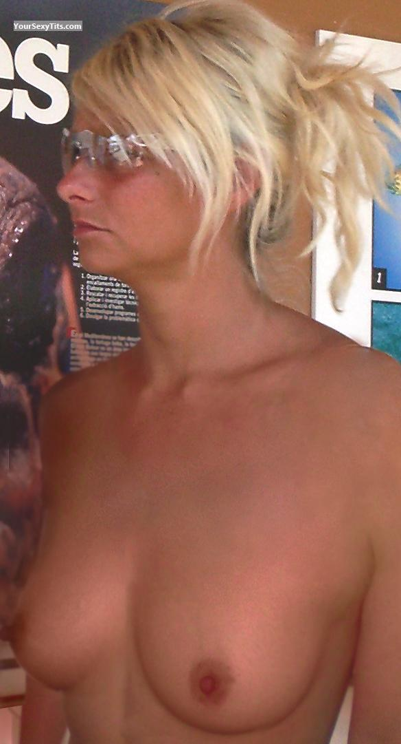 Tit Flash: Small Tits - Topless Sophiejonsson1@hotmail.com from Norway