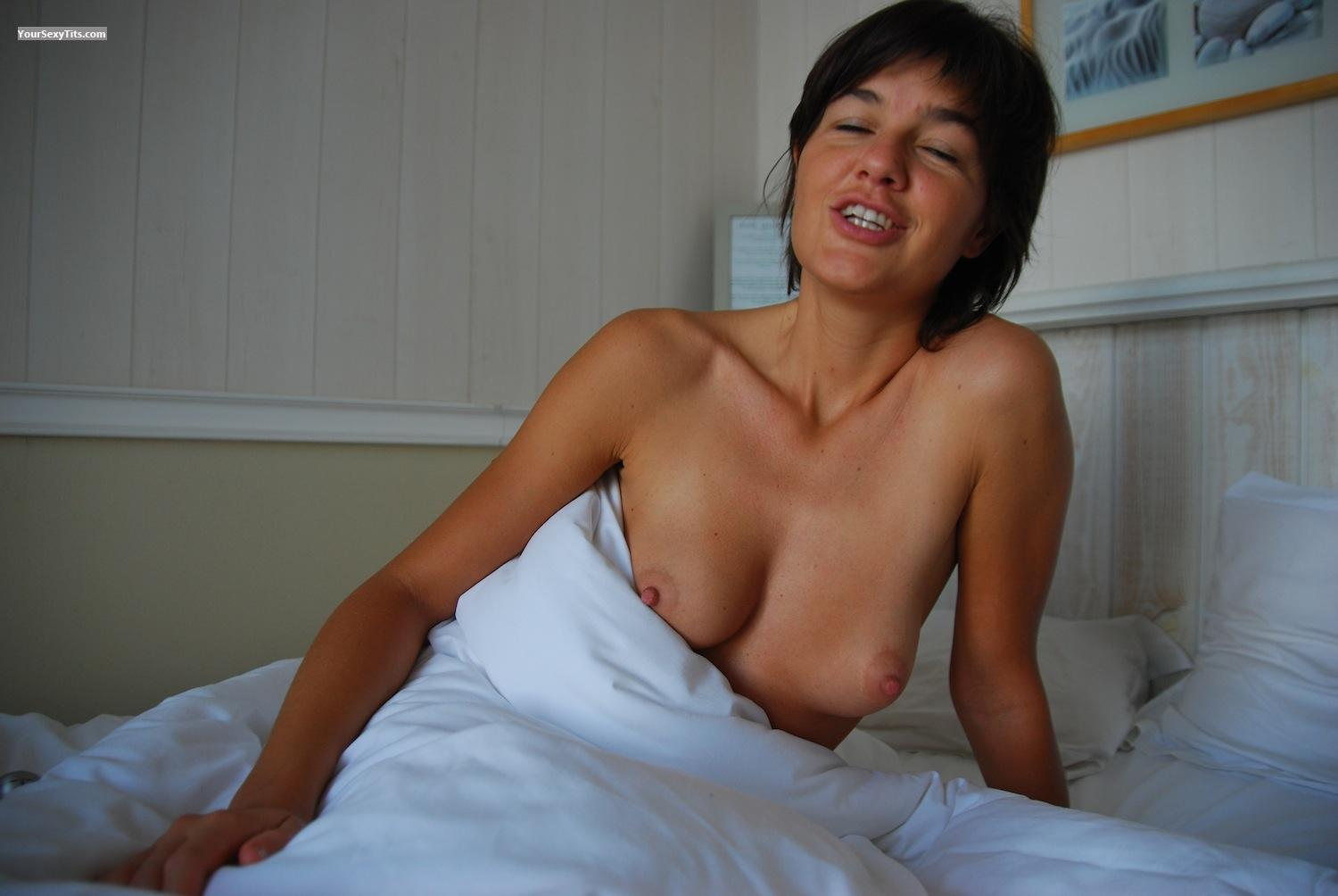 Tit Flash: Small Tits - Topless Jenny from United States