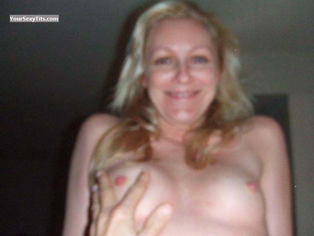 Tit Flash: Small Tits - Honey from United States