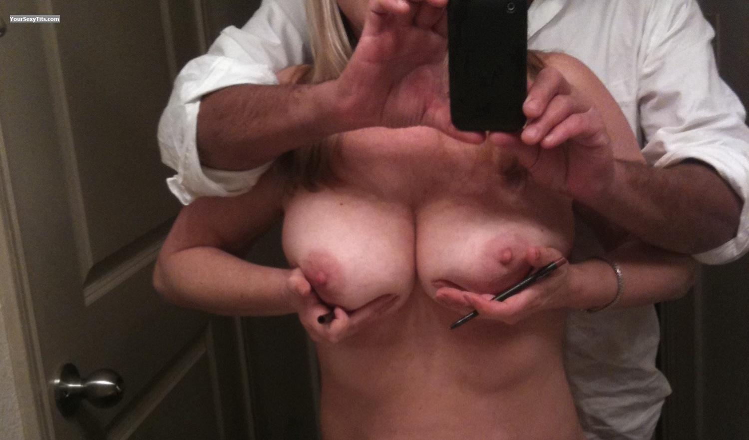 Tit Flash: Very Big Tits By IPhone - Natural51 from United States