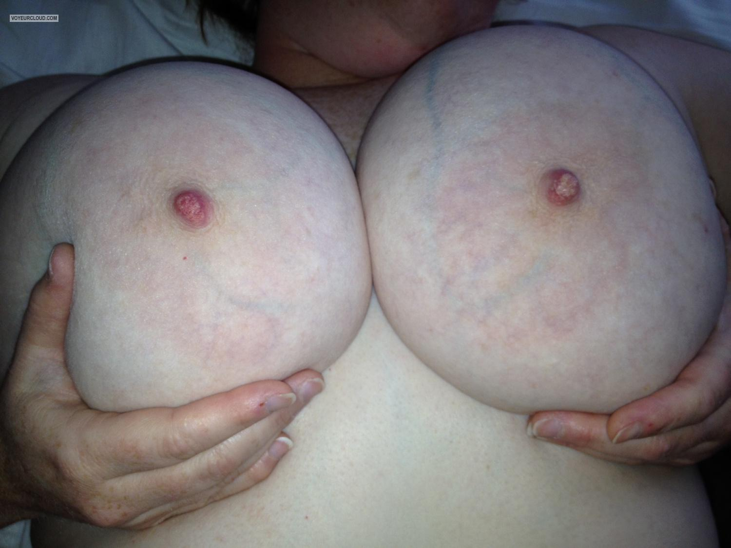 Tit Flash: Very Big Tits By IPhone - RED from United States