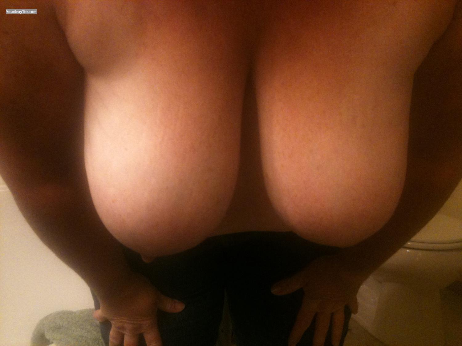 Tit Flash: Very Big Tits By IPhone - Cavemaneforboobs from United States