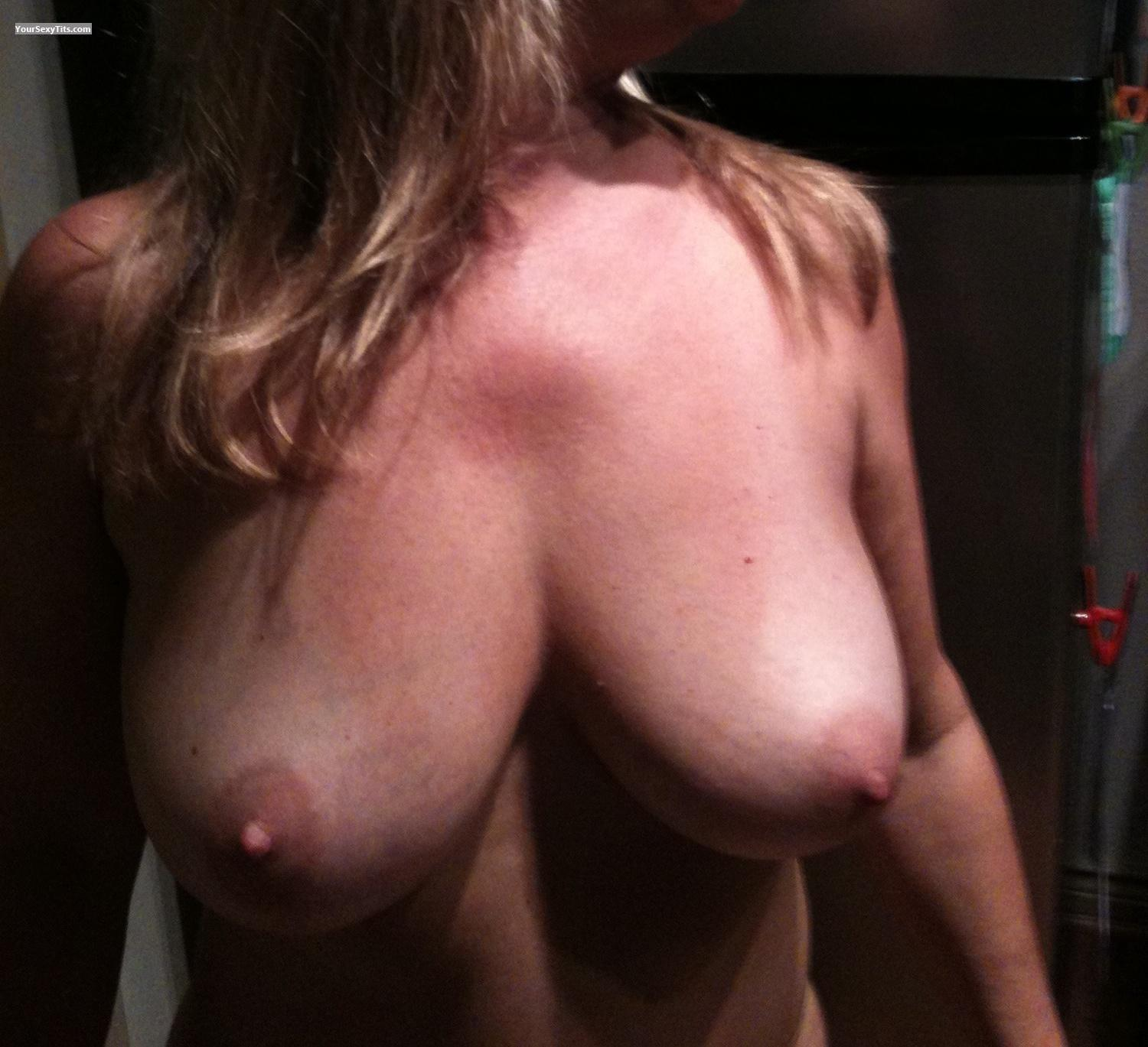 Tit Flash: Very Big Tits By IPhone - Natual50 from United States